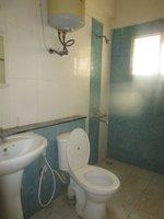 14F2U00129: Bathroom 2