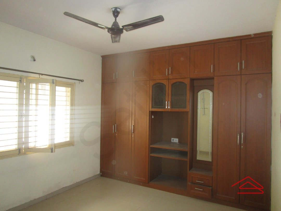 14F2U00129: Bedroom 1
