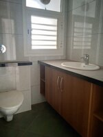 15J7U00007: Bathroom 3