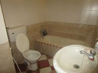 13M5U00552: Bathroom 3