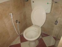 13M5U00552: Bathroom 4