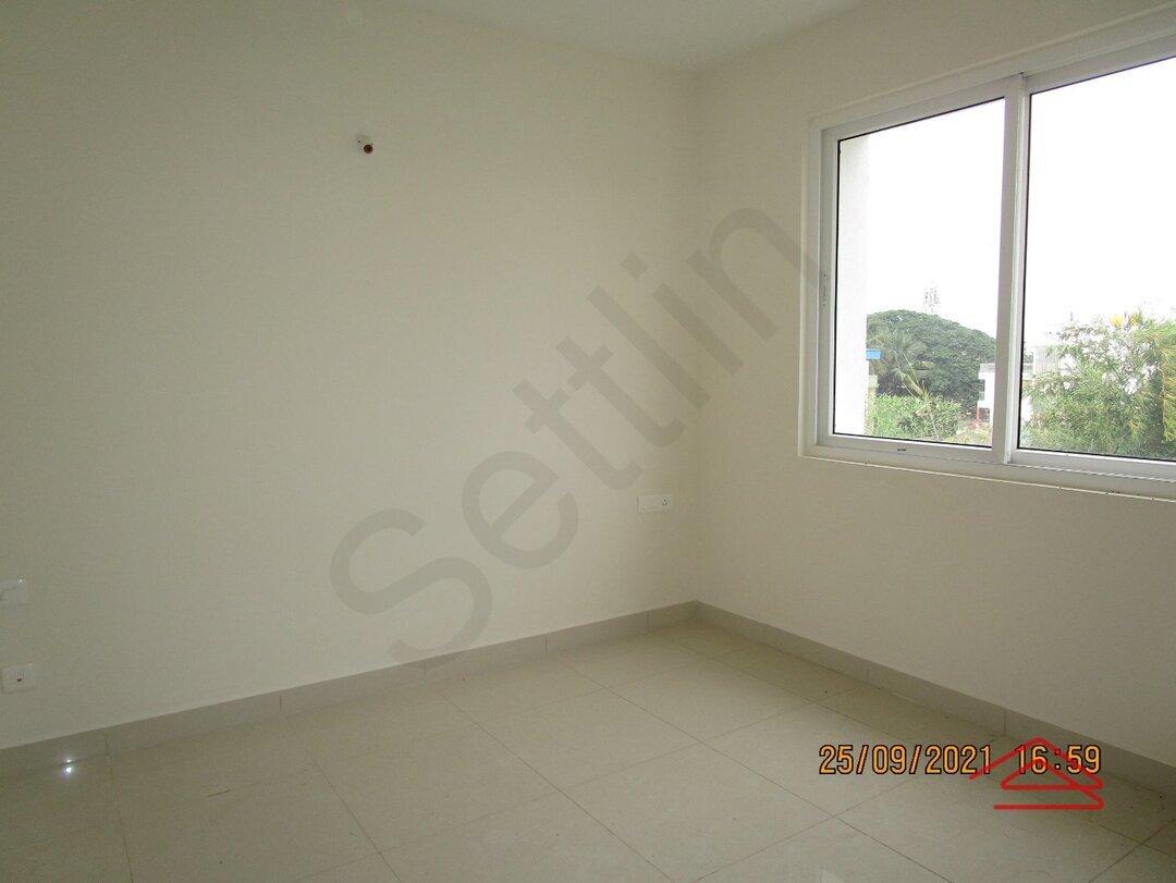 15S9U00612: Bedroom 1