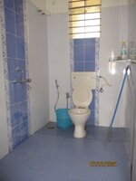 15J1U00009: Bathroom 2