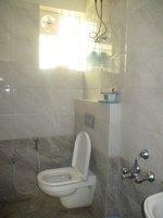 13S9U00180: Bathroom 1