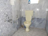 12OAU00189: Bathroom 2
