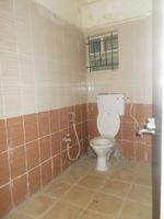 12OAU00016: Bathroom 1