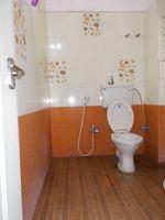 13F2U00431: Bathroom 1