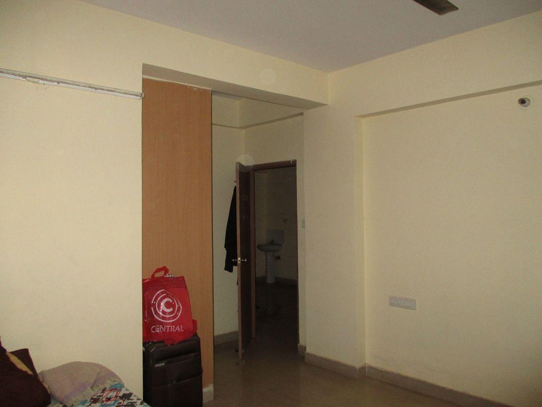 10F2U00100: Bedroom 1