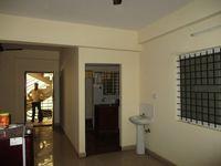 10F2U00100: Hall