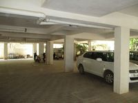 10F2U00100: parking
