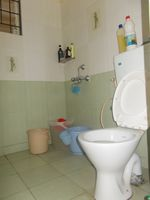 12DCU00203: Bathroom 3
