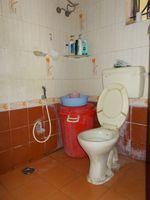 13J1U00233: Bathroom 1