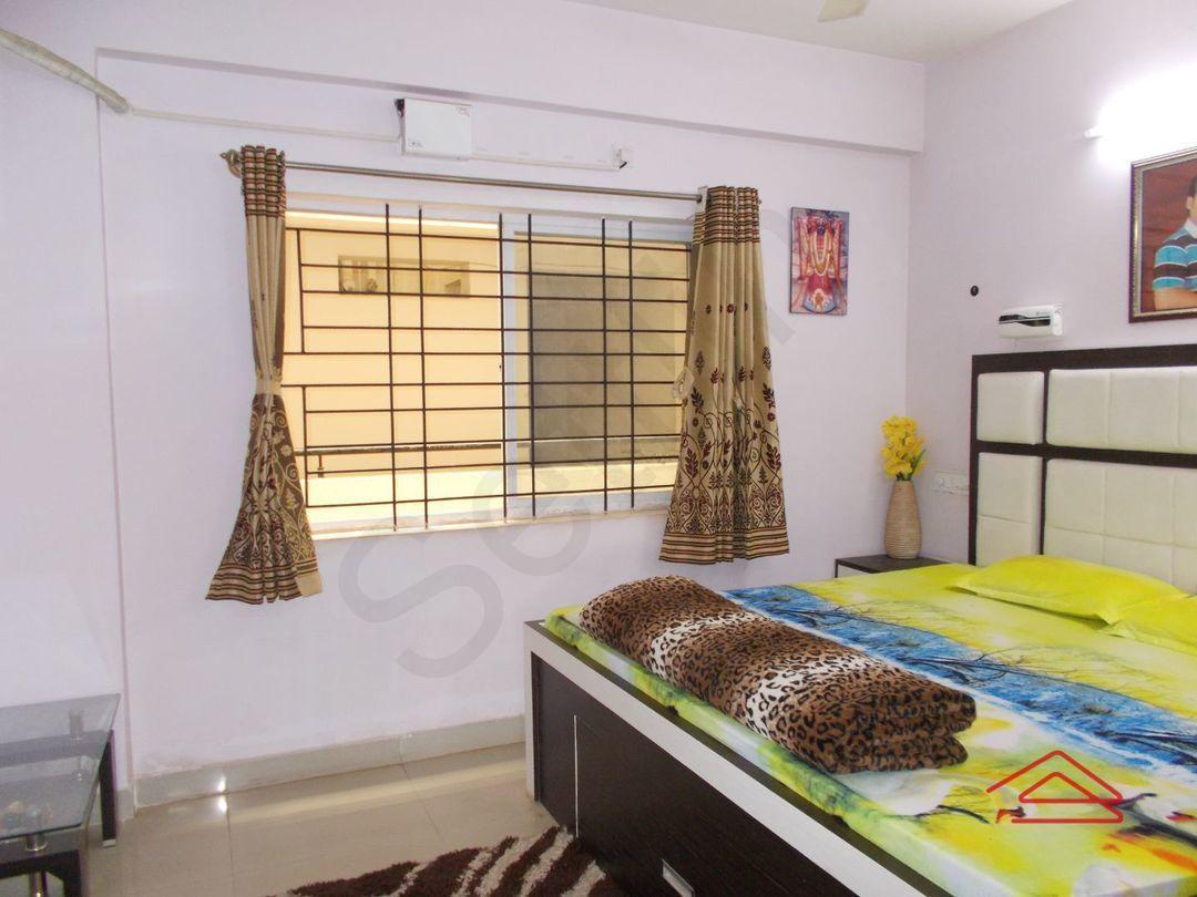 13F2U00258: Bedroom 1