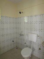 13J7U00274: Bathroom 1