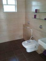 12J1U00260: Bathroom 2