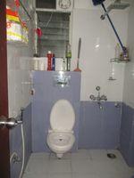 12DCU00164: Bathroom 2
