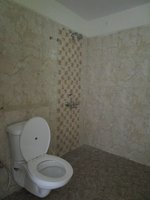 14F2U00463: Bathroom 1