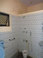 12OAU00117: Bathroom 1