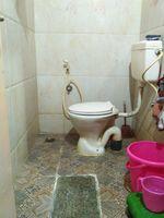 12J7U00333: Bathroom 1