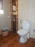 12M5U00404: Bathroom 3