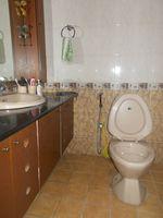 12M5U00404: Bathroom 1