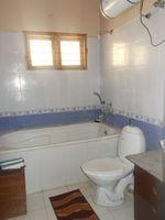 12M5U00404: Bathroom 4