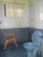 12M5U00404: Bathroom 2