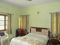 12M5U00404: Bedroom 2