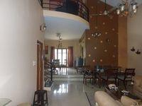 12M5U00404: Hall 1