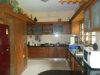 12M5U00404: Kitchen 1