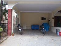 12M5U00404: parking 1
