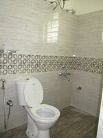 15A8U00934: Bathroom 2