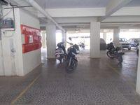 13M3U00008: parking 1