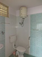 15J6U00016: Bathroom 2