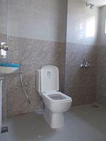 13M3U00180: Bathroom 2