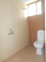 13M3U00180: Bathroom 3