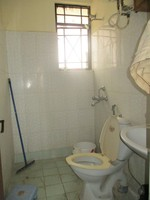10J6U00500: Bathroom 1