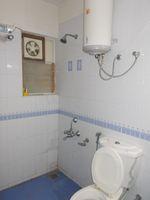 12M5U00243: Bathroom 3