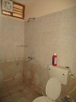 12M3U00200: Bathroom 3