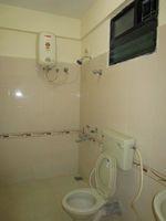 13M3U00086: Bathroom 2