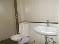 13J7U00259: Bathroom 2
