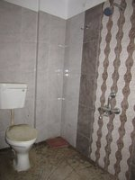 13OAU00014: Bathroom 2