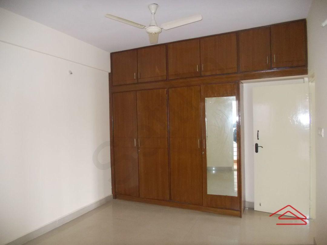 13M5U00394: Bedroom 1