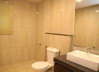 13F2U00169: Bathroom 1