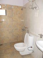 13M3U00379: Bathroom 3
