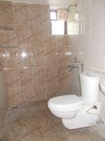 13M3U00379: Bathroom 2