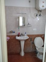 13OAU00107: Bathroom 2