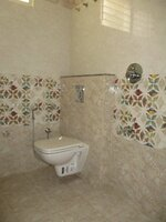Sub Unit 15OAU00221: bathrooms 1