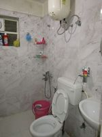 13J6U00081: Bathroom 1