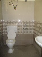 15S9U01107: Bathroom 2